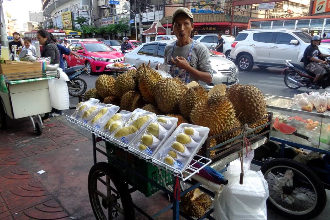 Уличные торговцы в Бангкоке