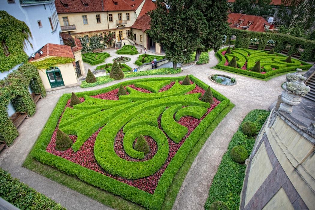 Дворцовые сады Праги
