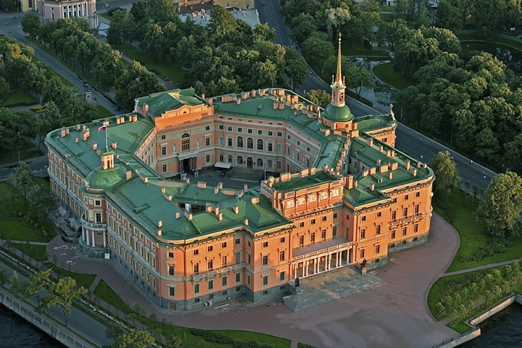 Михайловский замок, вид сверху, Петербург