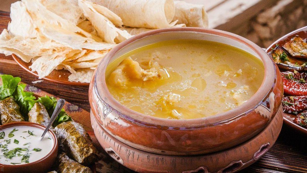 Национальное армянское блюдо - суп хаш