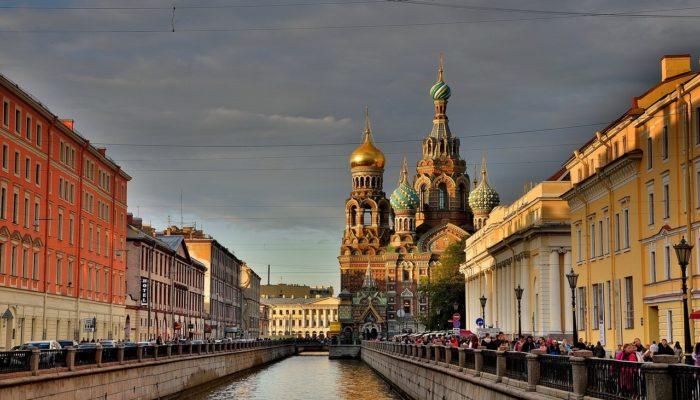 10 мест в Санкт-Петербурге обязательных к посещению