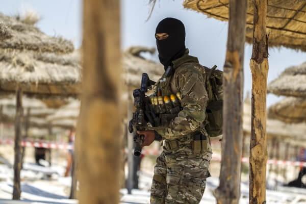 МИД рекомендует проявлять осторожность в Тунисе