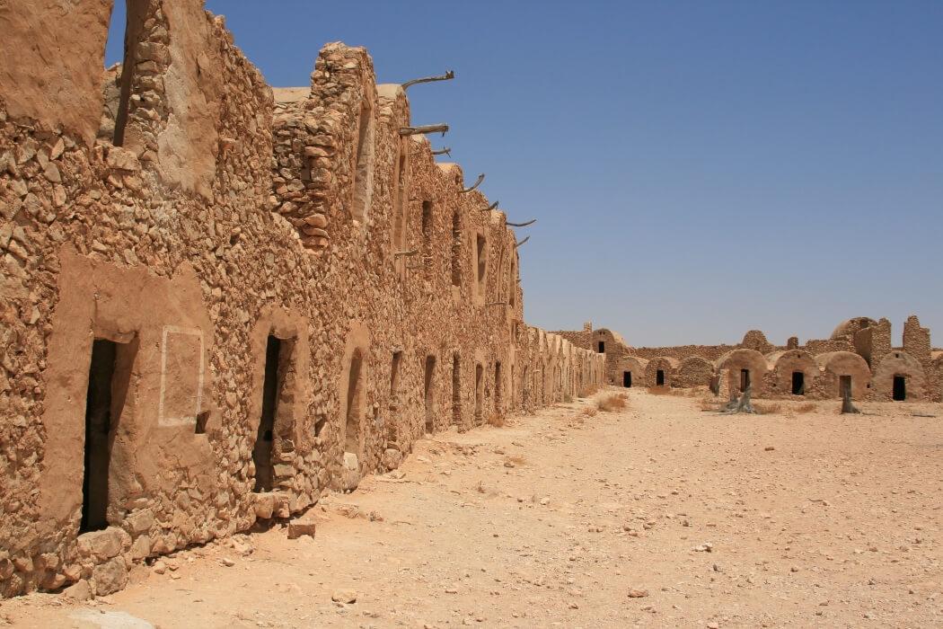 Город берберов-троглодитов в Тунисе