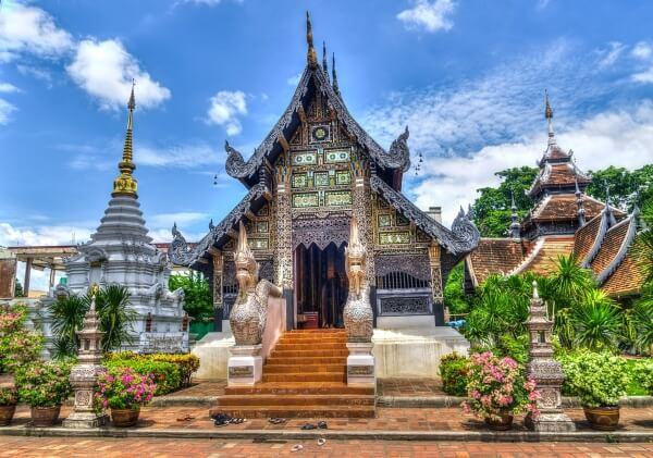 Таиланд вводит штраф за курение