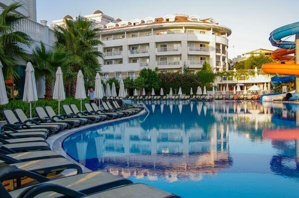 В Турции услуги отелей станут платными
