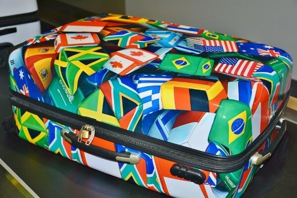 Упаковка багажа в аэропорту