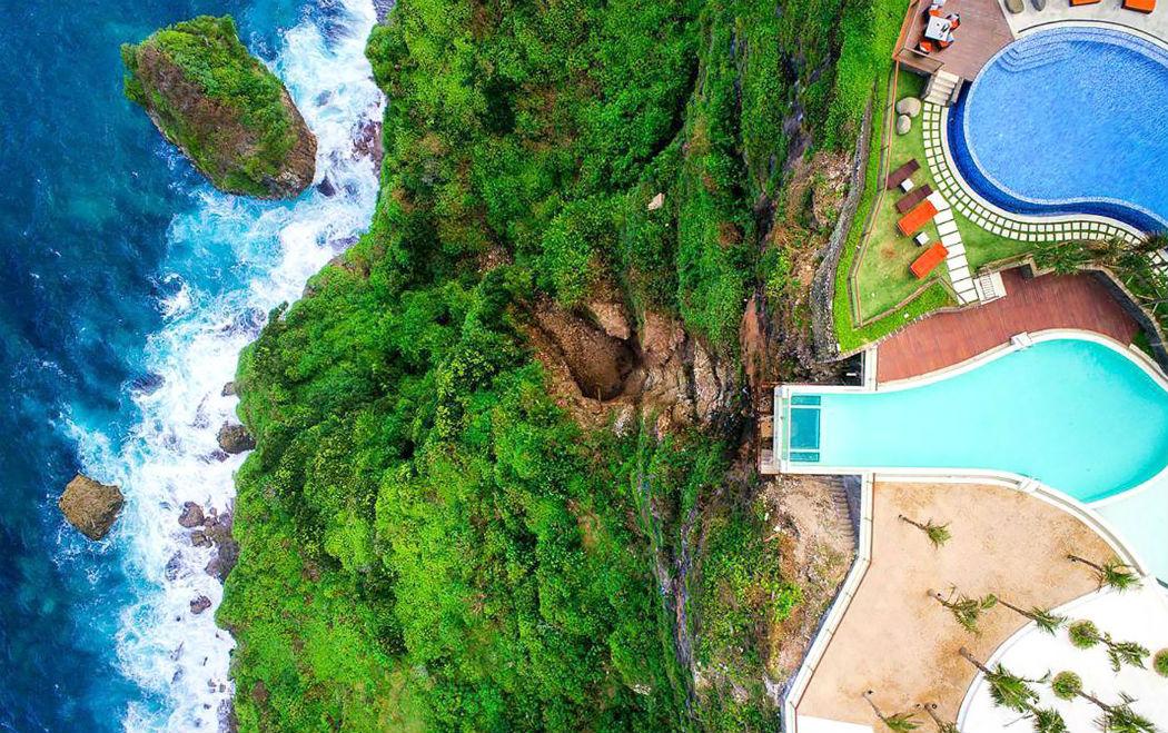 Топ-5 самых необычных и удивительных бассейнов в мире