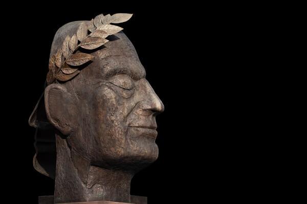 Скоро в Риме туристы смогут увидеть место смерти самого Цезаря