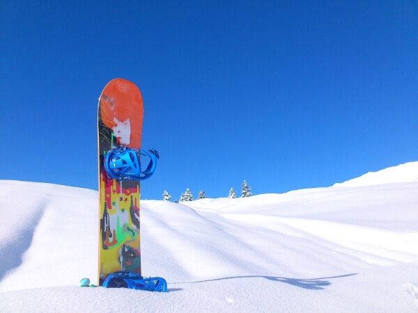 Российский горнолыжник упал в пропасть в Альпах