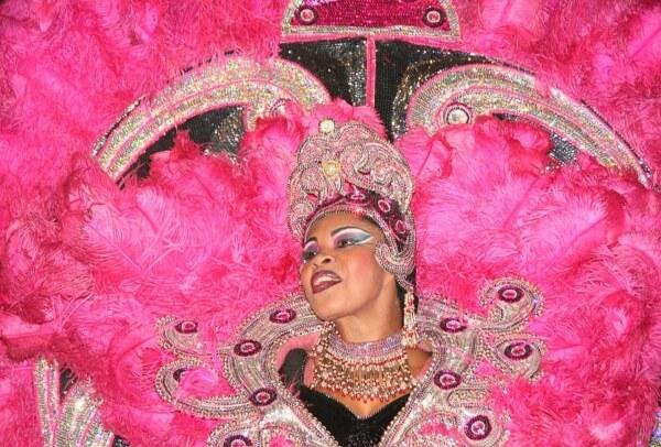 В Рио-де-Жанейро начался самый популярный в мире карнавал