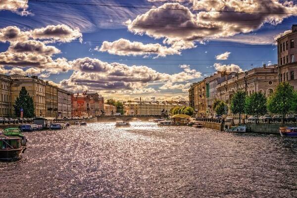 Санкт-Петербург готов ввести суточный сбор с иностранцев