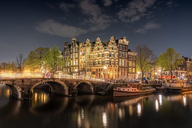 Европа начала борьбу за снижение вреда от массового туризма