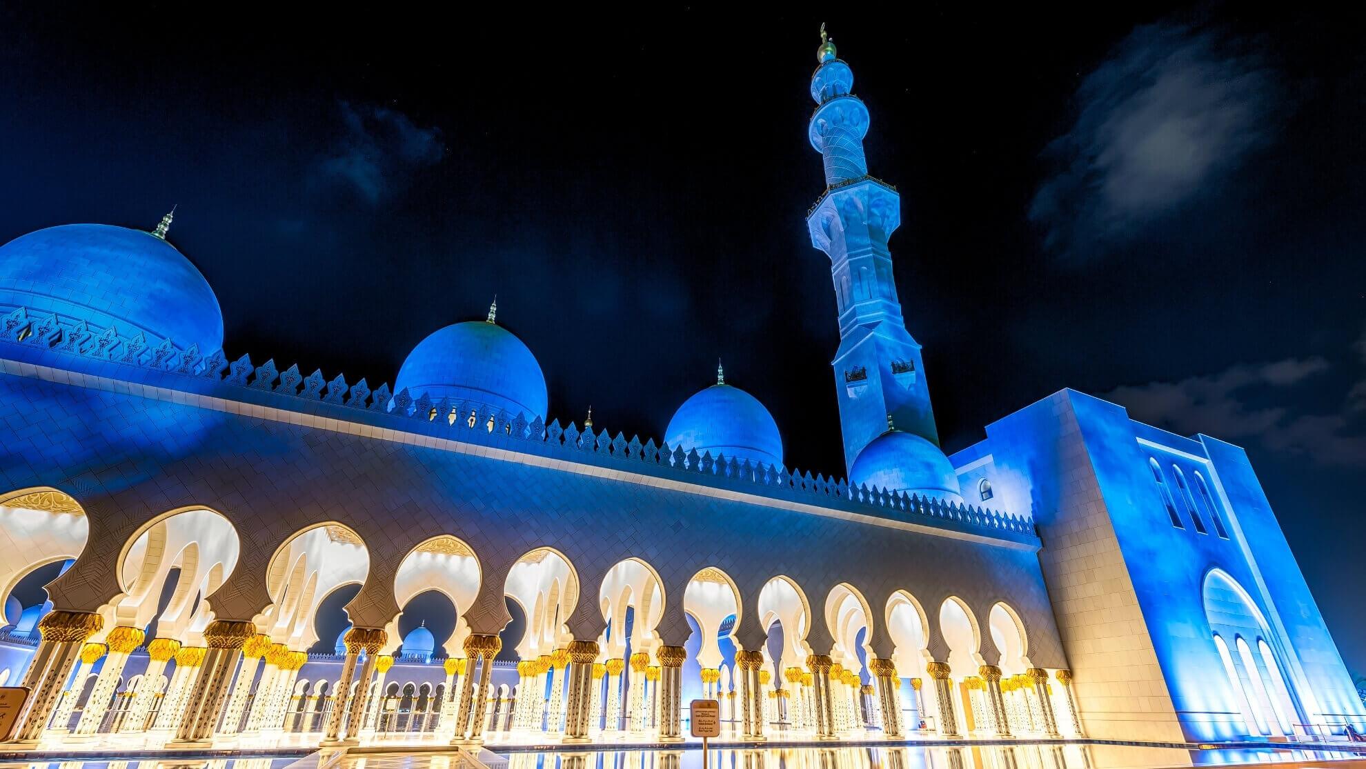Мечеть шейха Зайда в ОАЭ