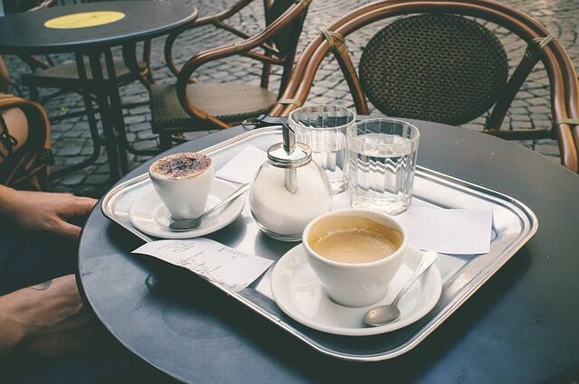 Одно из римских кафе решило нечестно заработать на туристах