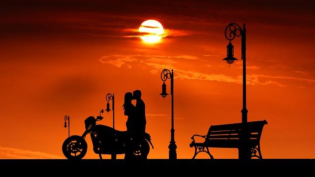 Оглашены самые дорогие города для романтических встреч