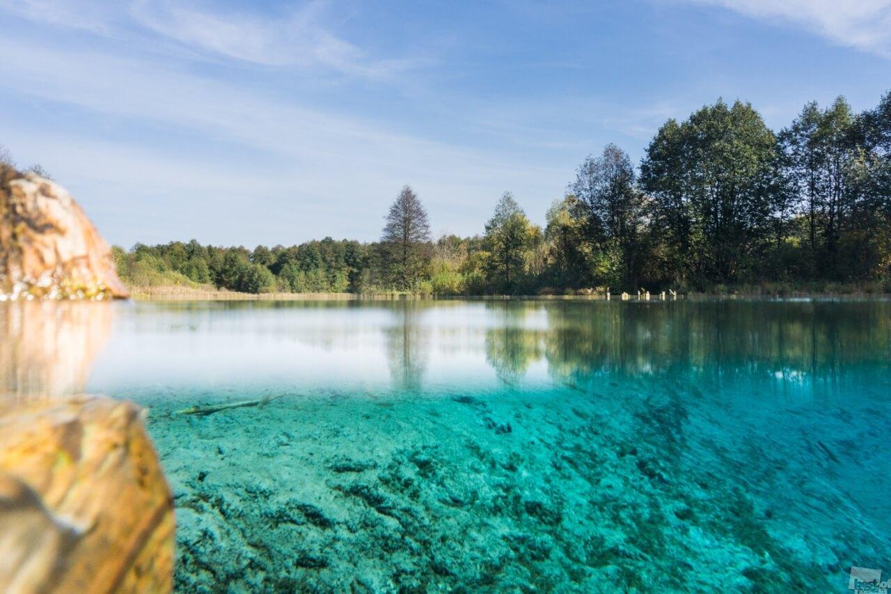 Большое голубое озеро.