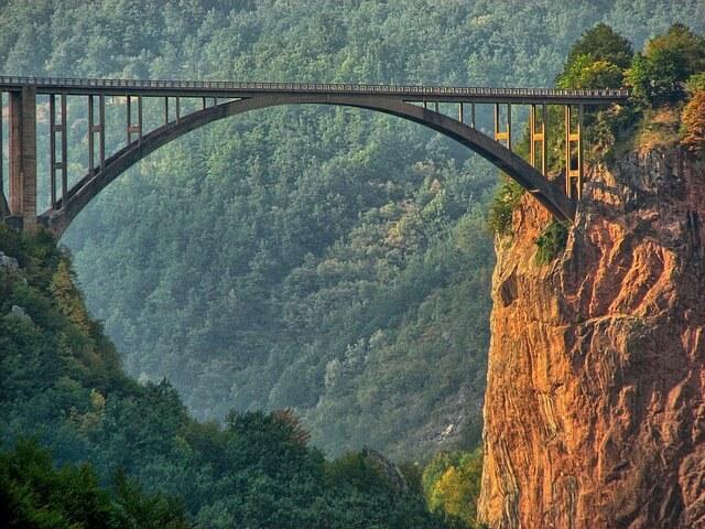 Черногория запускает туристические составы по железной дороге