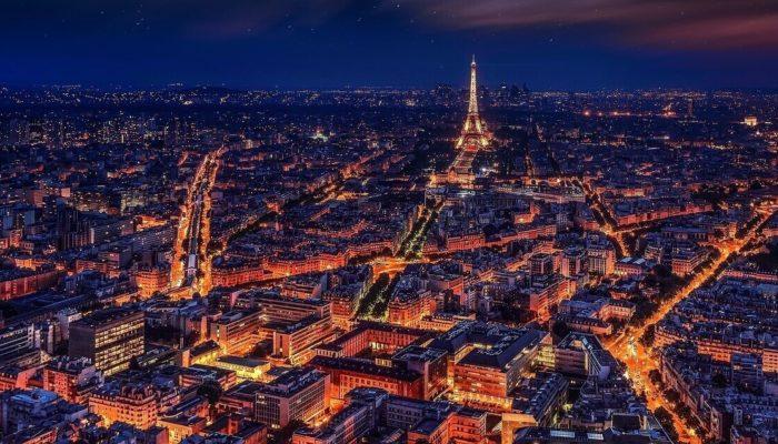 Что делать туристу в Париже, если он там впервые