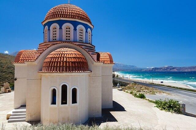 Греческий Крит отметил спад въездов из России