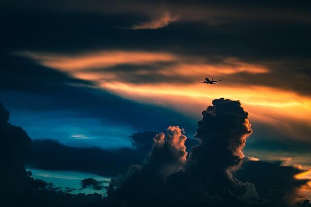 Самолет Аэрофлота экстренно сел в Варшаве из-за авиадебошира