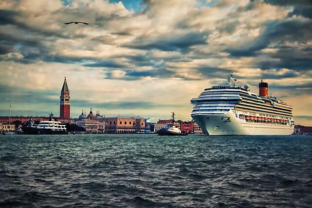 Венеция митингует против круизных лайнеров