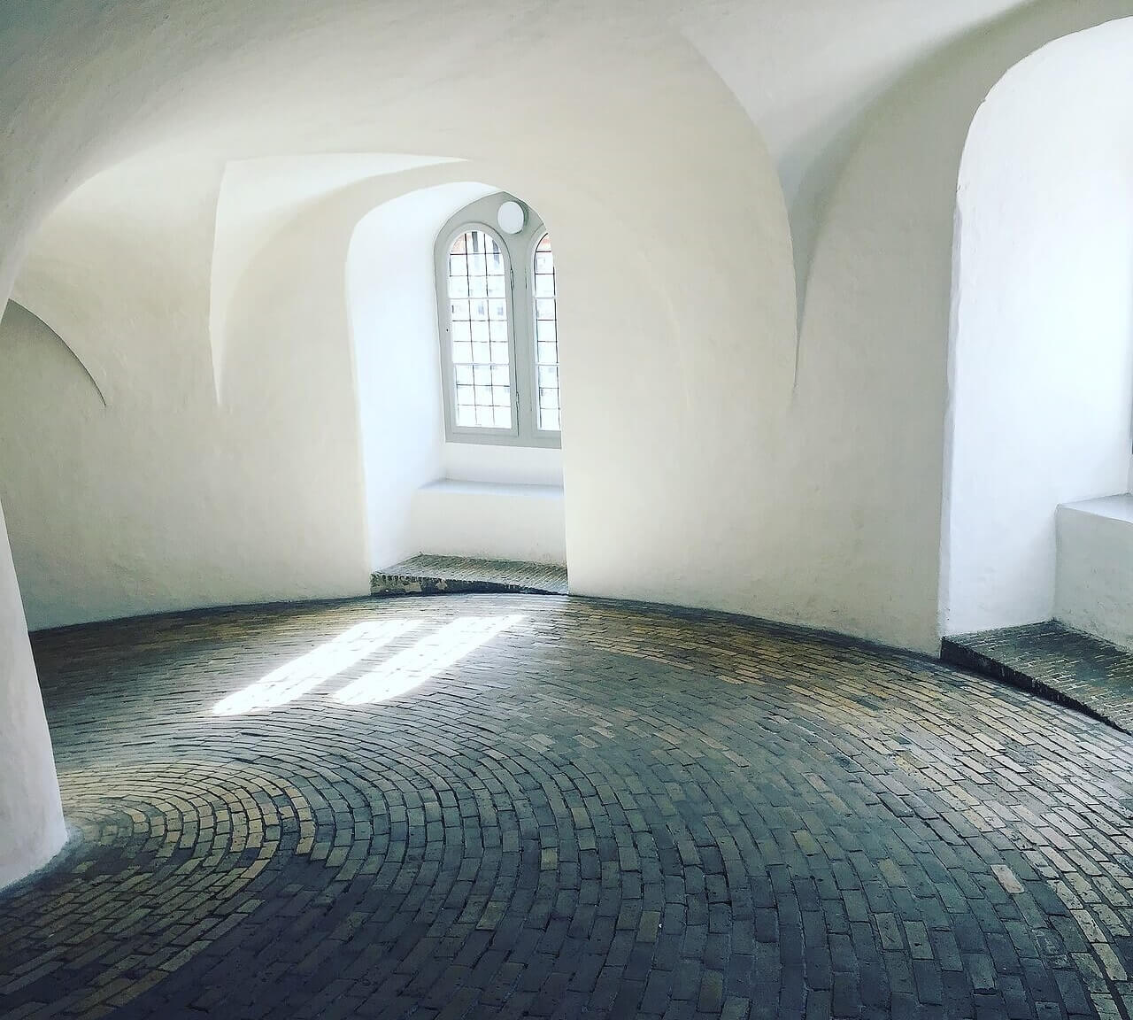 Внутри Круглой башни Копенгагена