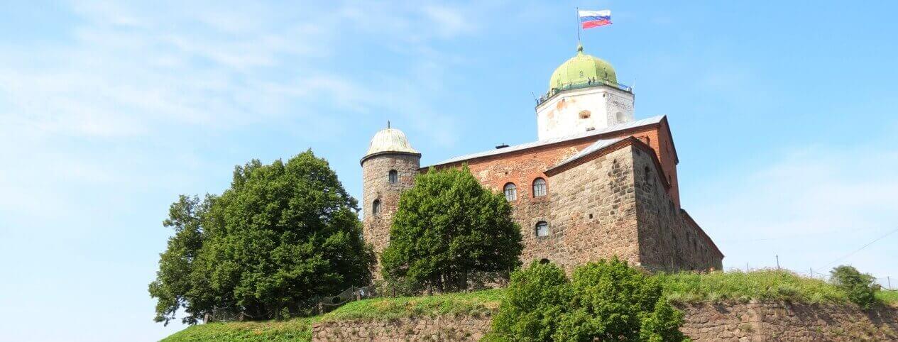Выборгский замок в Ленинградской области