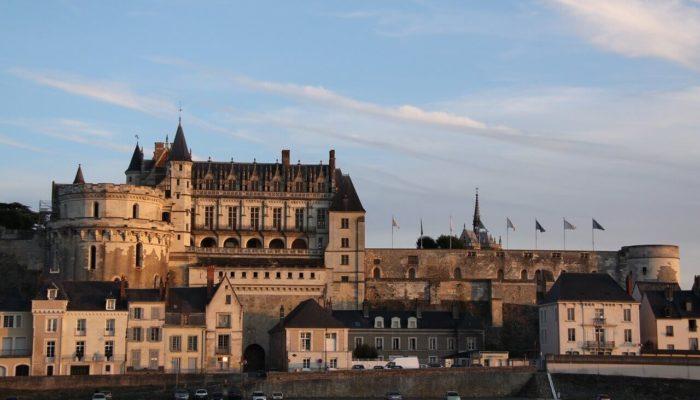 Замок Амбуаз — достопримечательность «Долины королей» во Франции