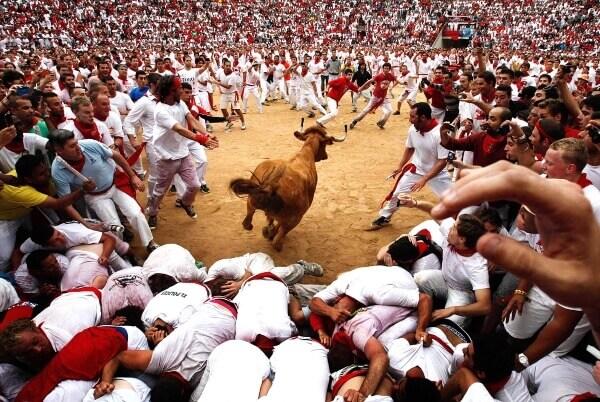 На фестивале Сан-Фермин пострадали туристы