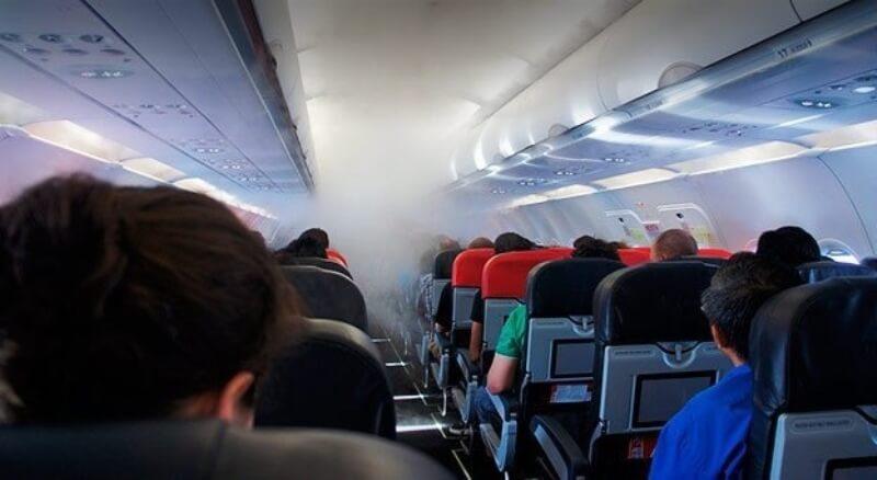 При эвакуации из самолёта в Шереметьево пострадали несколько человек