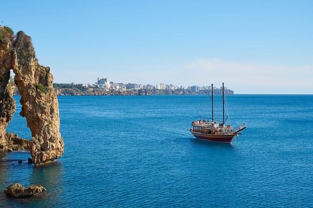 Власти Анталии и туристический налог
