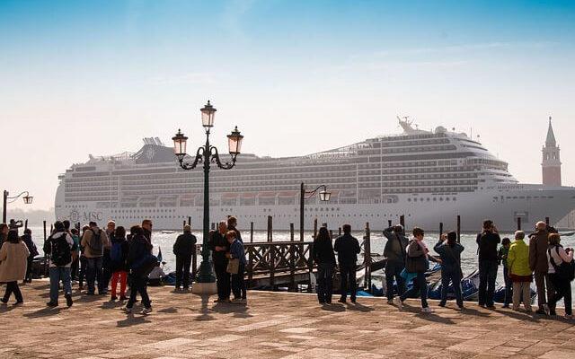 Запрет на заход лайнеров в Венецию может создать новые проблемы