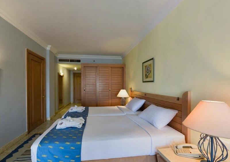 Номер отеля Royal Lagoons Aqua Park