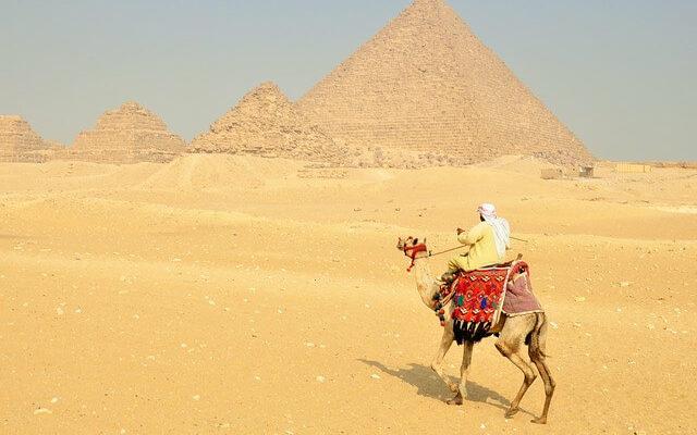 Египет повышает налог на вылет из страны