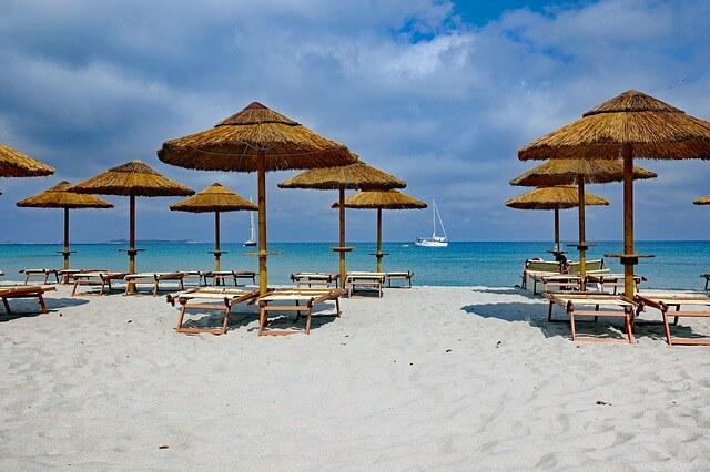 Пляж Сардинии станет платным