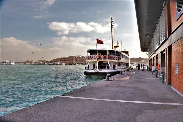 Порт в Стамбуле
