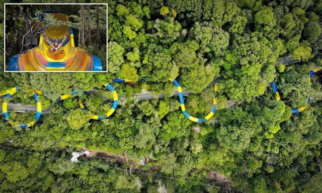 Самая длинная в мире водная горка открылась в Малайзии