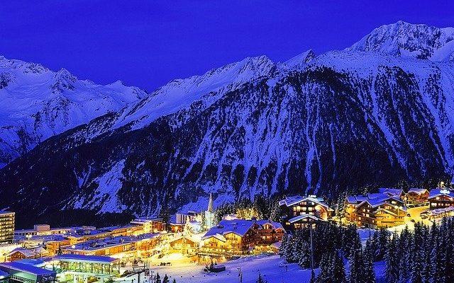На горнолыжные курорты Альп пришли снегопады