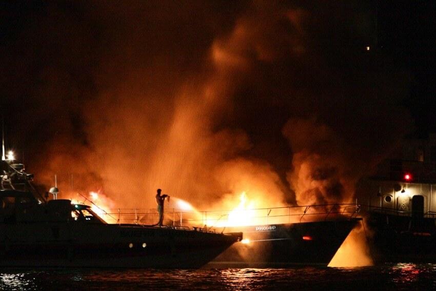 В Египте сгорела яхта с туристами