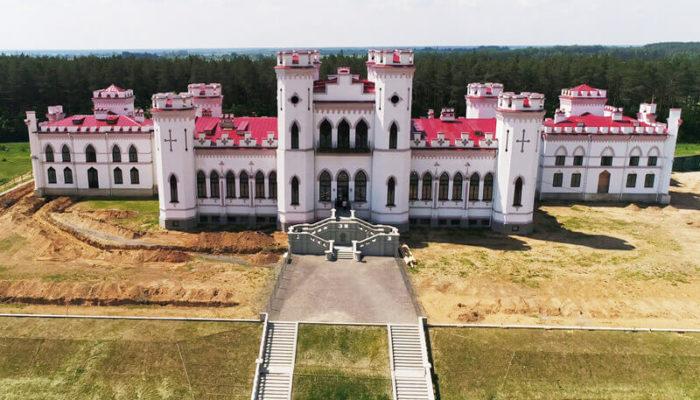В дворцово-парковом ансамбле в Коссово открывается отель и кафе