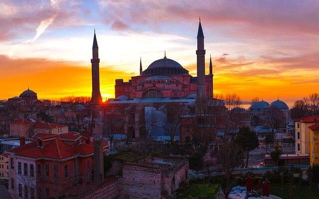 Турция для россиян стала круглогодичным направлением