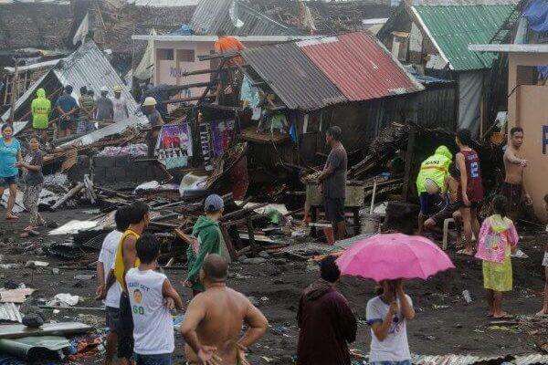 Тайфун на Филиппинах унес жизни 13 человек