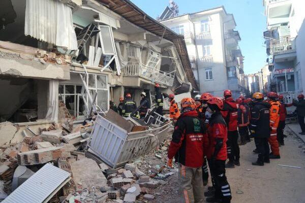 Сильнейшее землетрясение произошло в Турции
