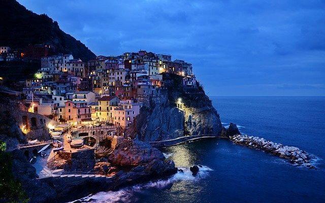 Власти многих государств запрещают своим туристам ездить в Италию