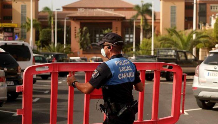 На Канарских островах власти изолировали отель из-за коронавируса