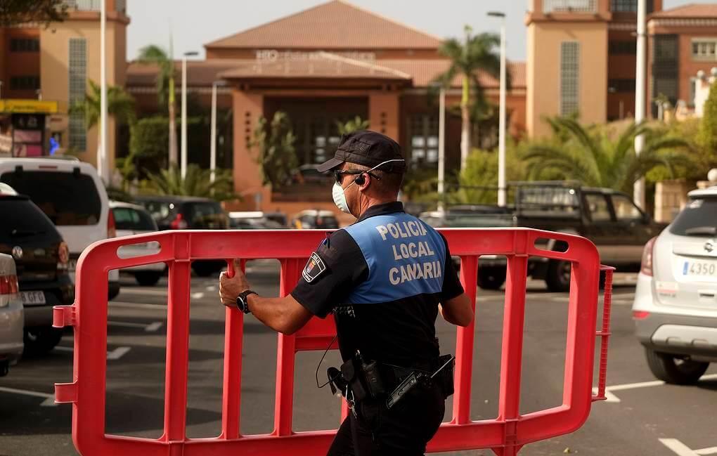 На Канарах закрыли отель из-за коронавируса
