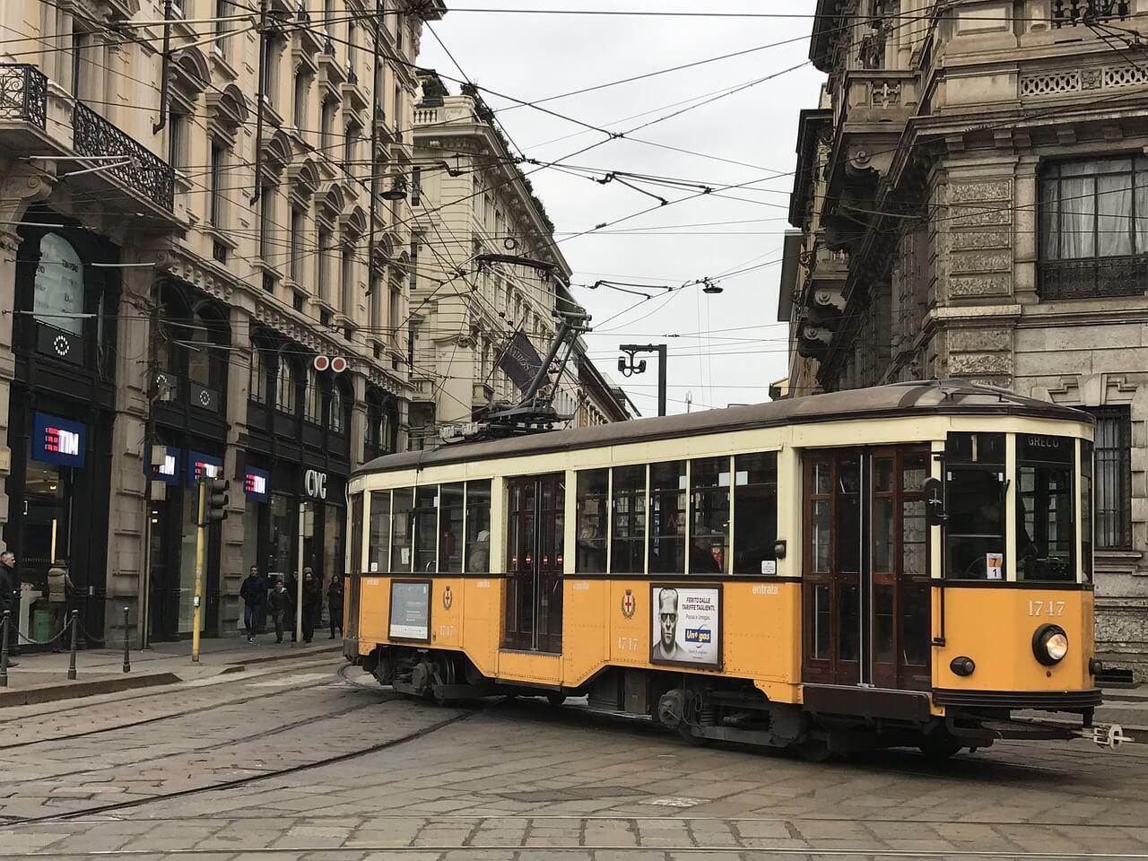 трамвай Милан