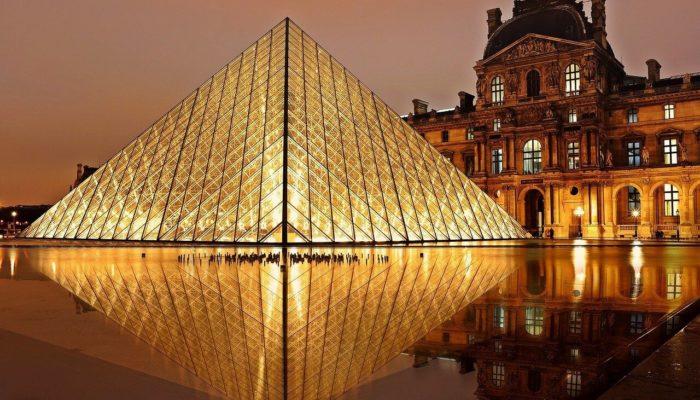 Франция закрыла Лувр из-за распространения коронавируса