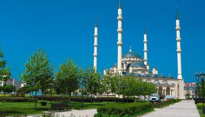 Пассажиры рейсов из Москвы в Чечню должны предъявить справки