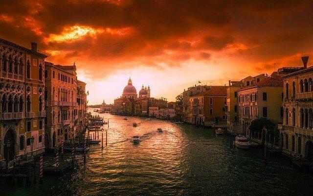 В Италии рассматривают варианты смягчения карантинных мер